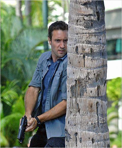 alex o'loughlin in Hawaii | Photo de Alex O'Loughlin dans la série Hawaii 5-0 : Photo 178 sur 274 ...