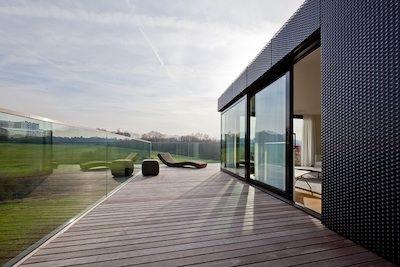 Garde-corps en verre sur une terrasse de toit, Design METAFORM