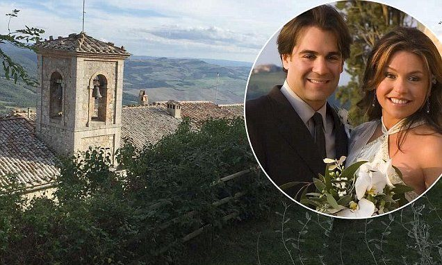 Rachael Ray and John Cusimano renewed their vows at the Castello di Velona in Tuscany!