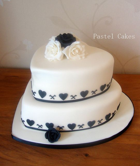 Cake Designs Heart Shaped : 25+ best ideas about Heart Shaped Wedding Cakes on ...