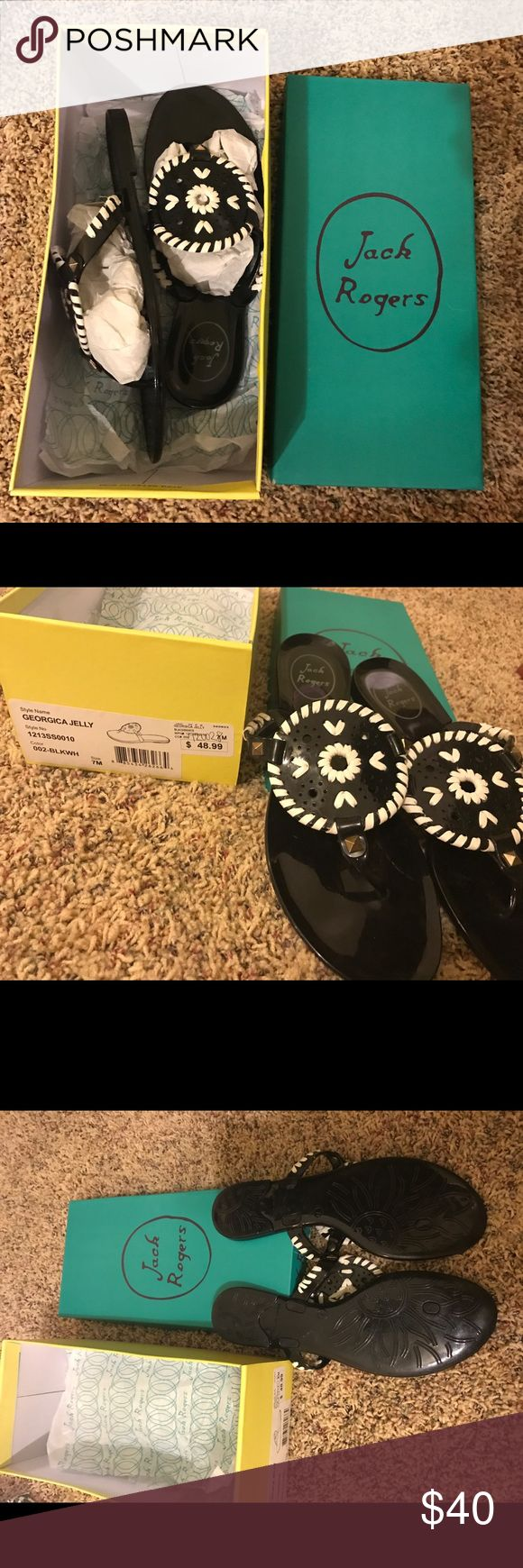jack rogers georgica jelly sandals adorably jelly black and white jack rogers sandals!! only worn once! practically brand new!! love these but unfortunately a little too small for me. perfect for spring🌷🌷🌷 Jack Rogers Shoes Sandals