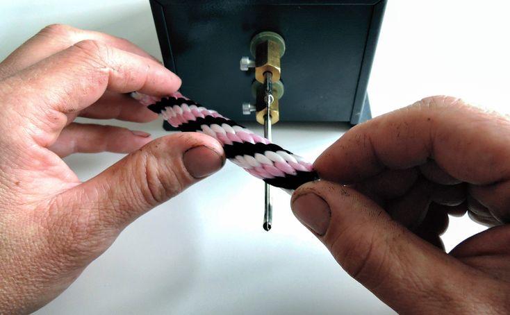 Chcesz mieć pewność, że przecięcie taśmy lub liny będzie czyste i precyzyjne? Wtedy nie można obyć się bez noża termicznego. Przeczytaj naszą instrukcję zdjęciową, a cięcie taśm będzie bardzo proste.