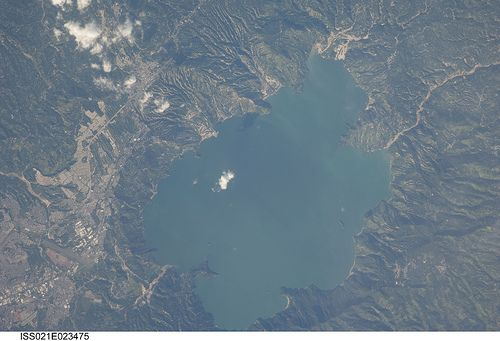 Lake Ilopango, El Salvador (NASA, International Space Station Science, 11/11/09)