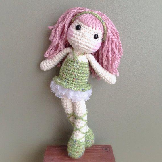 Amigurumi Ballerina Doll : Ballerina Crochet Doll (Amigurumi))