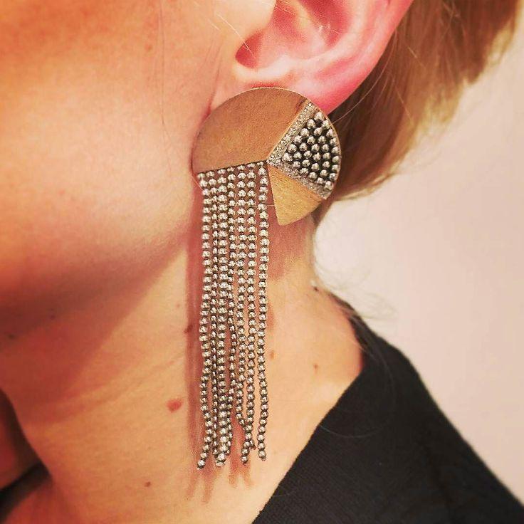 "ERTÉ earrings ""Cascade"" Collection.  Boucles d'oreilles ERTÉ modèle Cascade. Gold silver and diamonds  Interpreted in the Art Deco Style. Inspirited by the Persian Miniatures at the Hermitage Museum.  Regrann from @bijoux_miller __________  #erte #virtuose #best #createur #innovation #earrings #artdeco #vintage #vintagejewelry #cascade #collection #love #style #jewellery #jewelryaddict #jewelry #shop at #miller #ruesainthonore #paris  #bijoux  #DeJoyaEnJoya #FromJewelToJewel #JewelryBlog…"