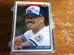 Lot of 100 MLB Baseball Cards 3x PRICE IS NEGOTIABLE!