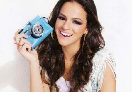O visual de Bruna Marquezine, a Lurdinha da novela Salve Jorge, veja fotos da namorada de Neymar - Estilo das Famosas