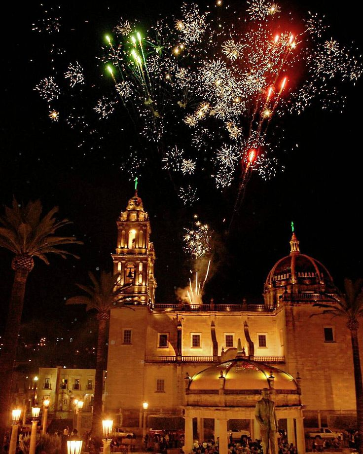 "macro_a: ""15 de Septiembre #Yahualica #YahualicaDeGonzálezGallo #Yahualica #Jalisco #15deSeptiembre #AltosdeJalisco#PuebloMágico #México #fotoinformador #vive_mexico #mochileromx #pasionxmexico #instamexicanos #loves_mexico #FotoInformador #mexico_maravilloso #igersmexico #hdrmexico #ig_latino #ig_mexusa #vivamexicomx #mexico_great_shots #ig_mexico #KodakmomentsMX #retomu"""