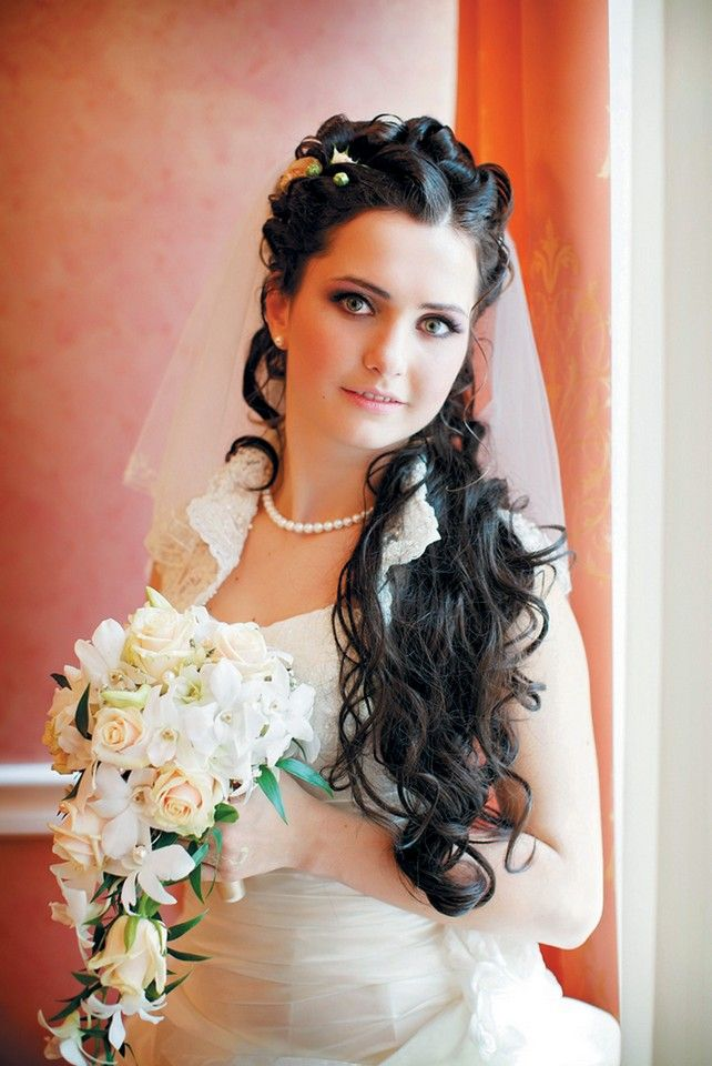 Best 25 Vintage Wedding Hairstyles Ideas On Pinterest: Best 25+ Mantilla Veil Hair Ideas On Pinterest