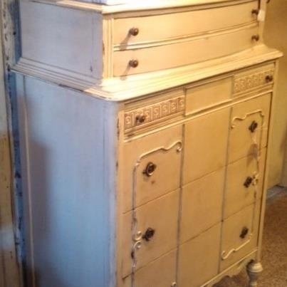 crooked toe primitives we used old village chestnut paint on a old bureau like us on. Black Bedroom Furniture Sets. Home Design Ideas