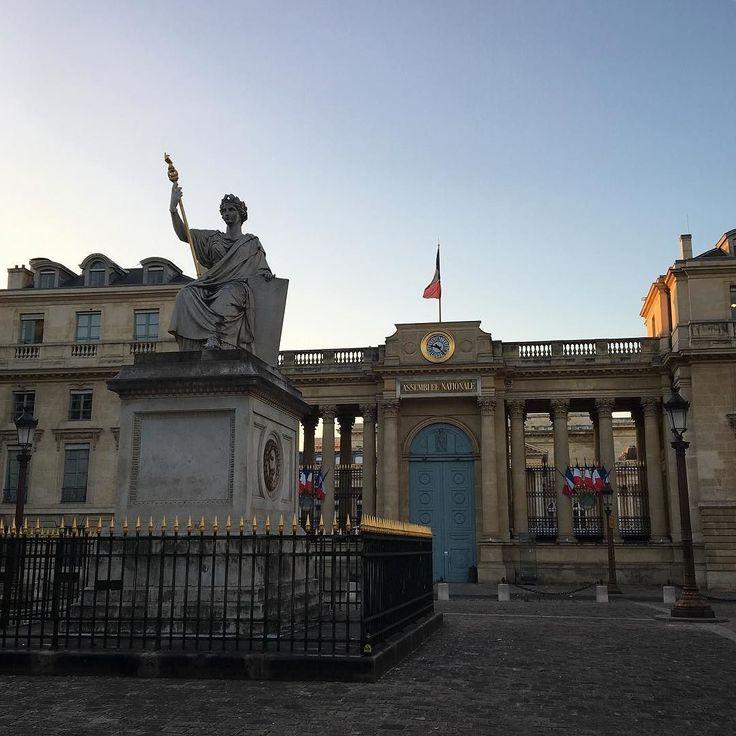 Assemblée nationale // Paris  #France #Paris #ParisByNight #AssembleeNationale #Statue #Architecture #Sunset #Contrast #SuchATourist #SuchAParisian