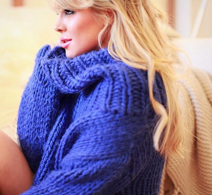 Ulrikke Lund purple sweater