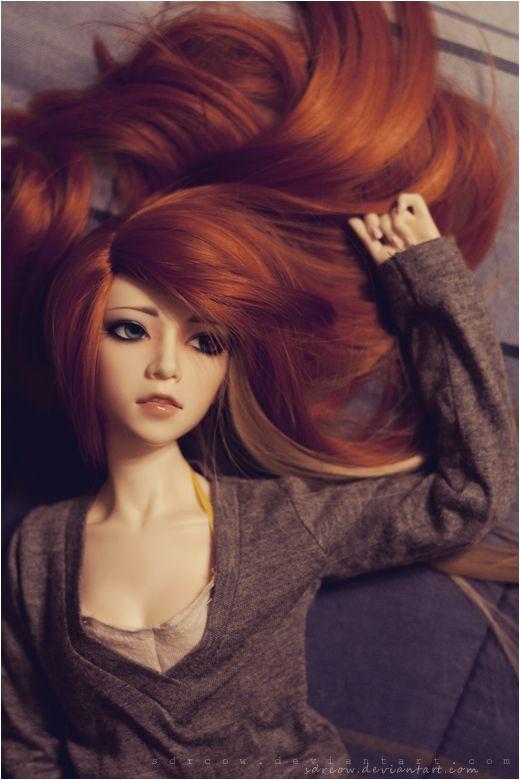 U po n a r e d ti m e n i gh t by sdrcow.deviantart.com on @deviantART. Parece como si a Nadia Esra le hubieran planchado el cabello haha n.n <3
