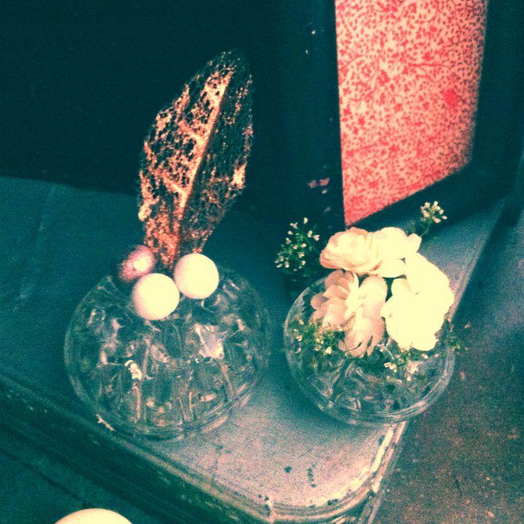 vase pic fleurs vintage cadre en cuir vintage