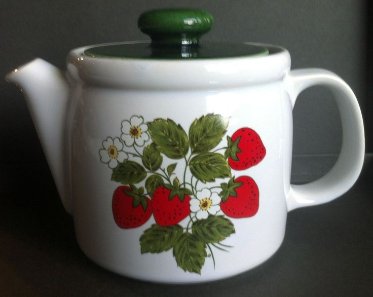 VINTAGE 1970'S  McCoy Pottery STRAWBERRY COUNTRY 6-Cup Teapot  COLLECTIBLE #NelsonMcCoyPottery