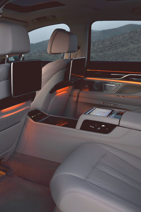 ripevibe: New BMW 7 Series Interior / RIPEVIBE