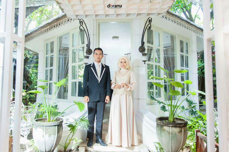 Prewedding, Engagement, Modern, Hijab, Elegant, Indoor, Solo Indonesia by Diorama Fotografi