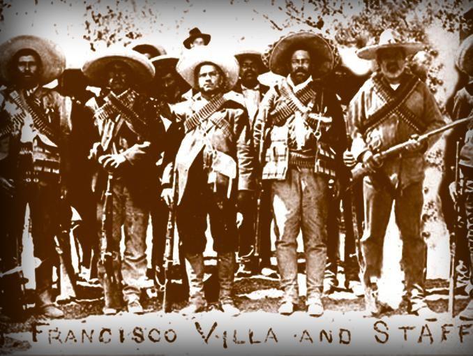 El corrido mexicano involucra personajes que causaron revuelo en el país. La letra de un corrido se caracteriza por describir la vida del personaje principal que se menciona.