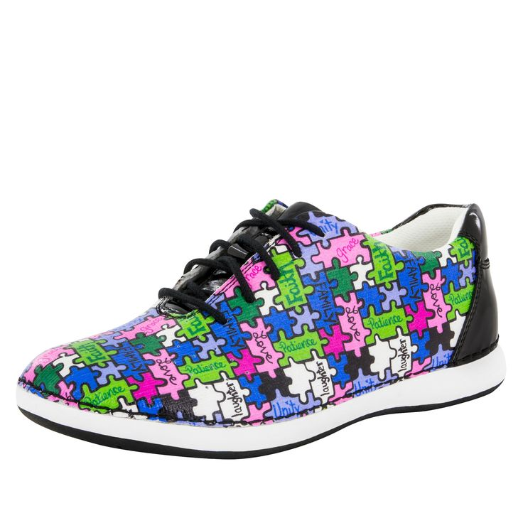 Essence All Together Now Shoe The weekend leisure lace up in bright and