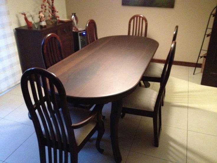 USADO. Comedor de cedro con 6 sillas, con espacio parra 8 sillas ...