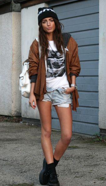 beanie + baggy shirt <3