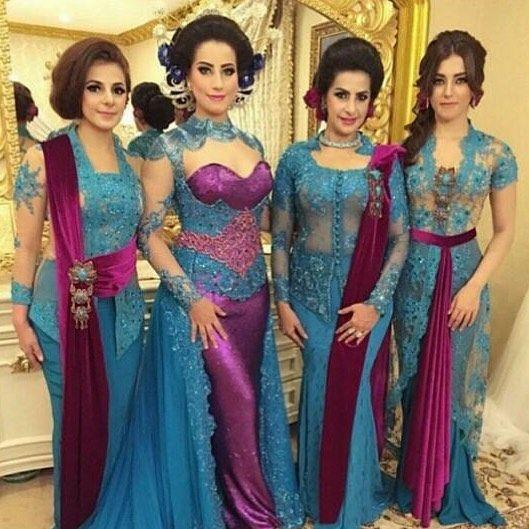 From: http://batik.larisin.com/post/137538095299/kutubaru-kebaya-kebayamodern-kebayawisuda