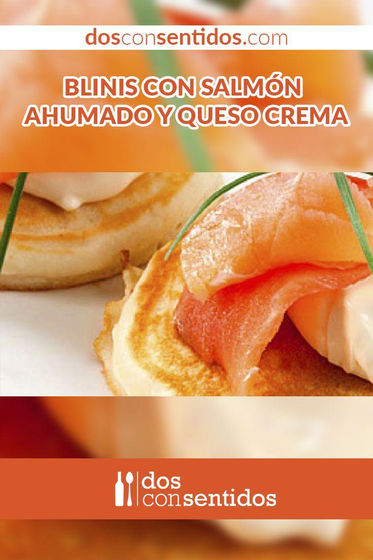 Los blinis son pequeñas torticas delgadas, hechas a base de harina, huevos y leche. Su procedencia es eslava y se sirven como entradas, acompañados de otros productos como salmón, huevas de pescado, papa o quesos.