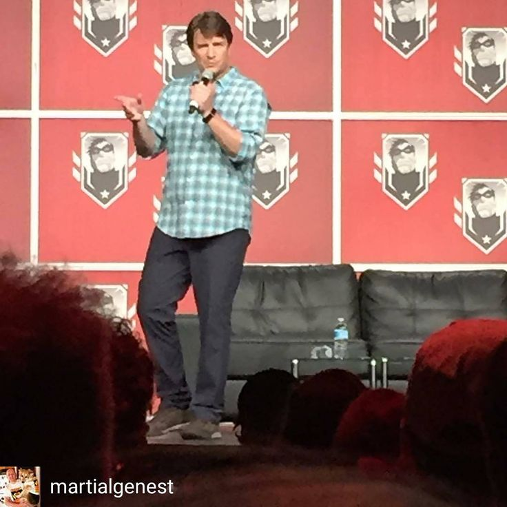 @Regrann from @martialgenest -  #nathanfillion #panel #montrealcomiccon #greatcanadian - #regrann