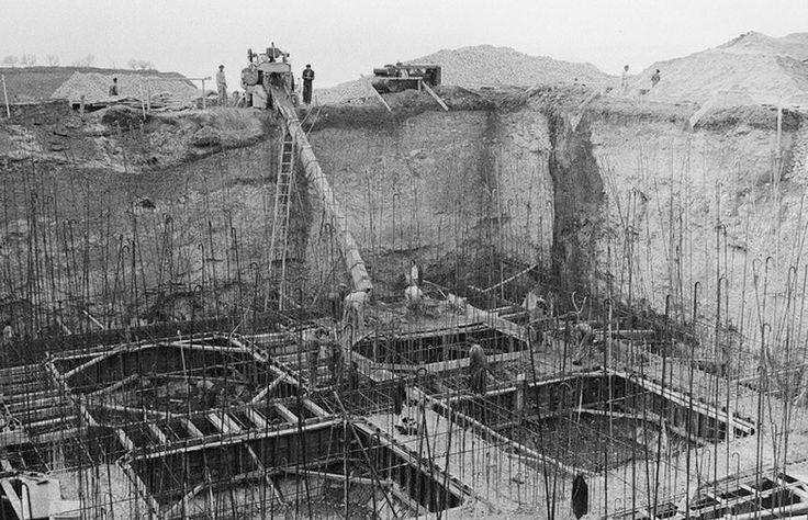 Construção do Cristo Rei - fundações