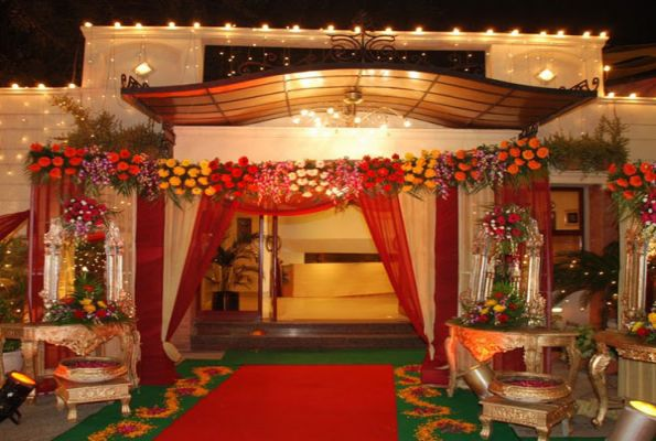 Get the Best Deals for Wedding Banquet Halls in a range of Event Venues to plan your Wedding at best price. Get the Best wedding venues in Delhi. Visit Now. https://www.shaadismart.com/
