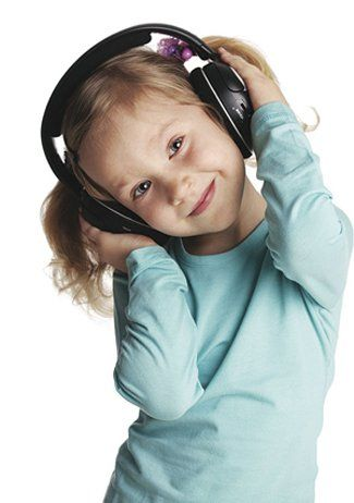 portrait girl with headphones - Google 検索