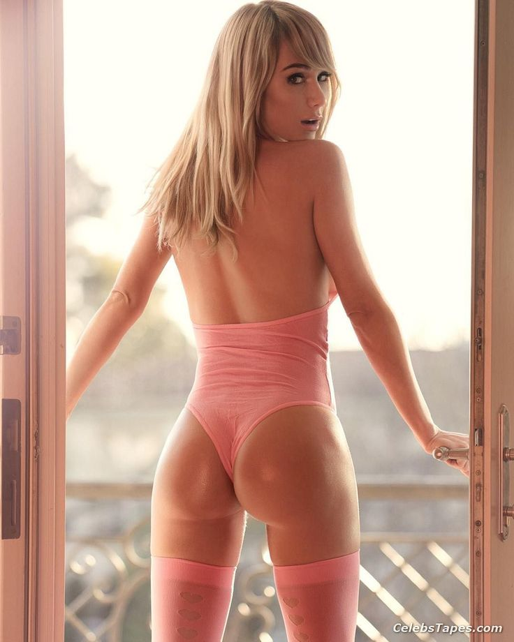 Naked sara underwood