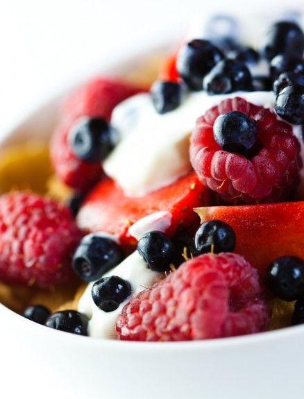 (Geiten)yoghurt met bosvruchten en chiazaad. Annemarie Reuzenaar, zonder suiker