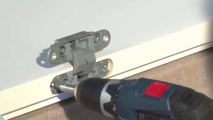 Syntesis Line - montaj panou de usa