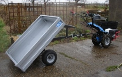 The Towed Trailer is capable of carrying up to 400kg and is ideal for transporting bulky items.    With hand and foot brakes for safety and easy operation, the trailer also has the benefit of being able to tip allowing for quick and easy unloading.