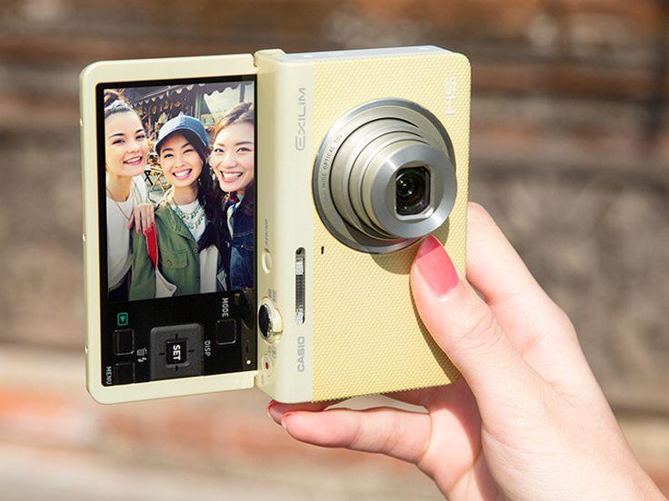 カシオ、自撮り画像だけをスマホに自動転送するカメラ - デジカメ Watch
