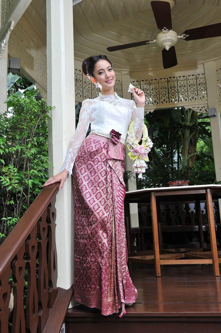 ผลการค้นหารูปภาพสำหรับ ชุดเจ้าสาวชุดไทย