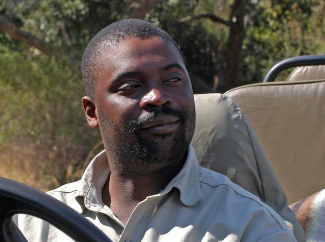 Bilimungwe's resident safari guide - award-winning Manda Chisanga