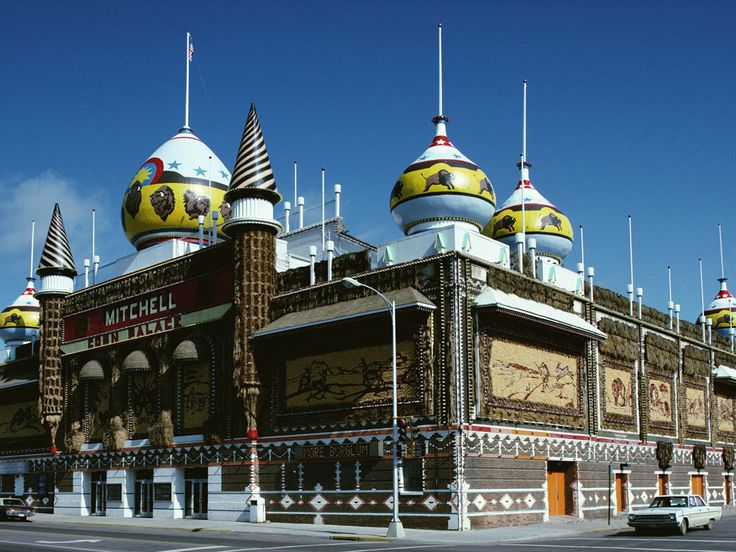 Palaces - mobile backgrounds: http://wallpapic.com/architecture/palaces/wallpaper-25828