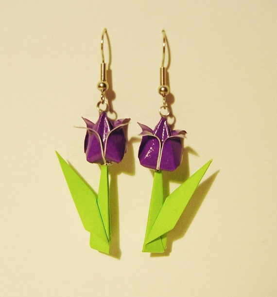 Small Tulip Origami Earrings Purple and Light by paperinthepocket, €13.70