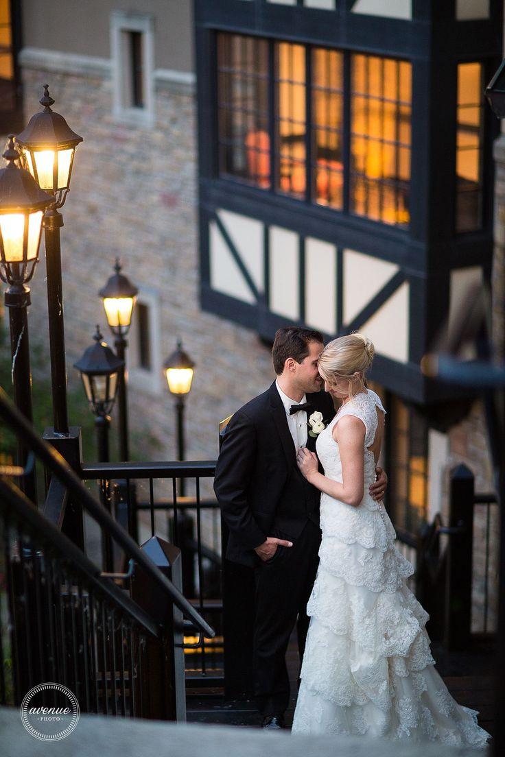 Toronto Old Mill Wedding Photos / Avenue Photo