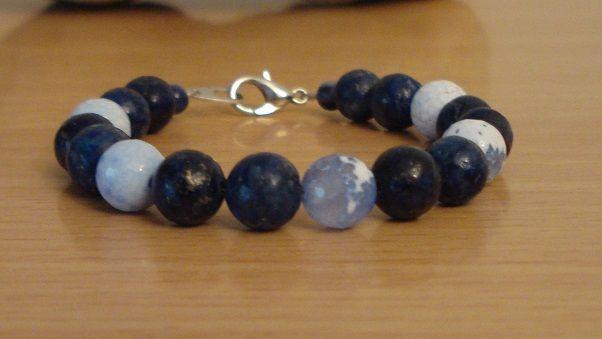 Lapis lazuli and blue lace agate bracelet