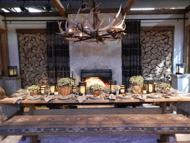 RALPH LAUREN SKI-LODGE TABLE CHIC....