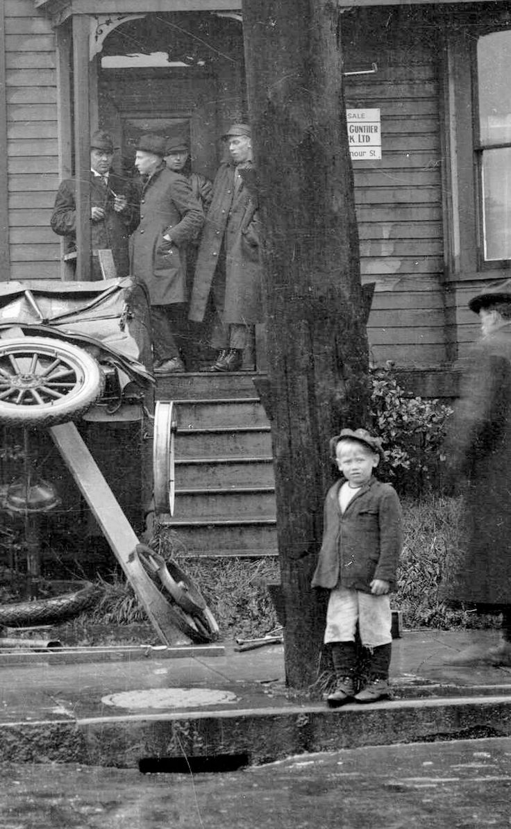 Nelson and Seymour, ca. 1920 Hi rez. Source: Photo by Stuart Thomson (cropped), City of Vancouver Archives #99 - 3255