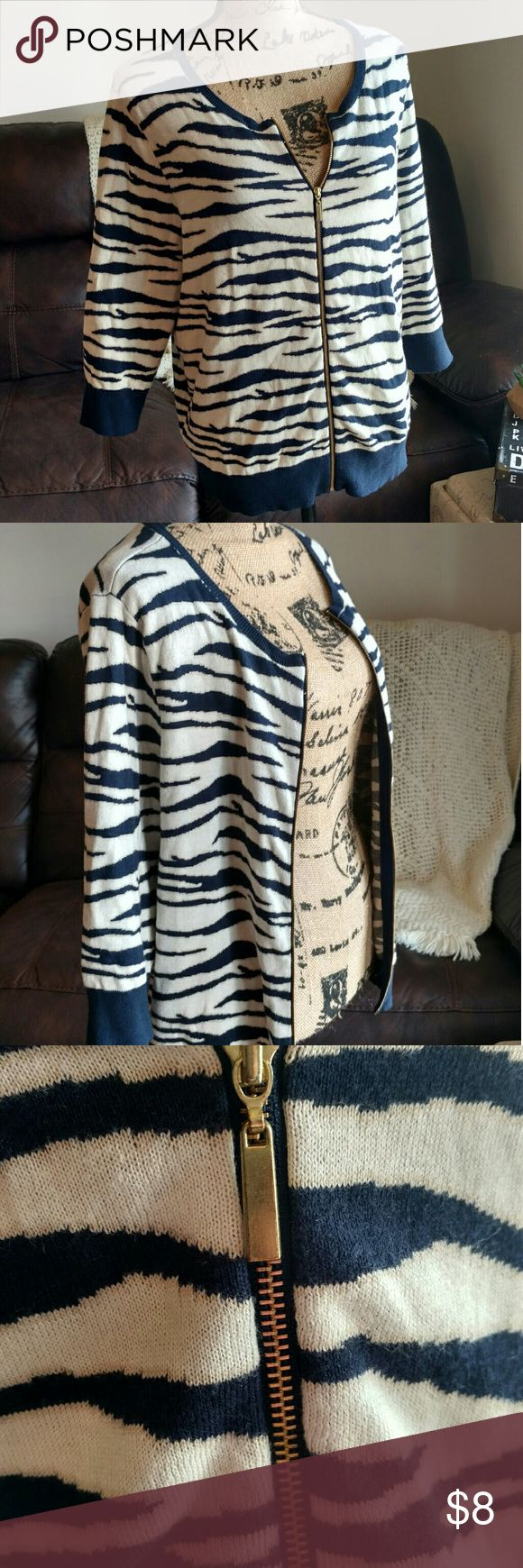 🌻 Cato zebra print zip up sweater size 14-16W Cato Navy and Cream zip up zebra print sweater with gold zipper. No holes or stains, however note that the bottom is slightly wavy.  Size 14-16W Cato Sweaters Cardigans