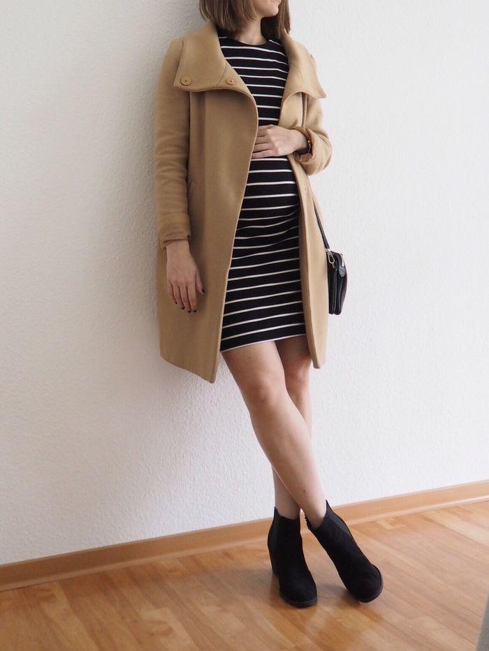 11.10 Schwangerschafts-Outfit Midikleid und Boots