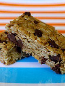 Chocolate Chip Granola Bars | Weelicious
