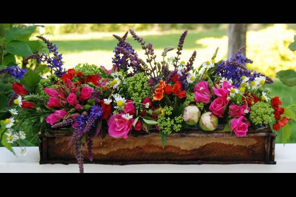 long centerpiece for dining room table- fill a trough