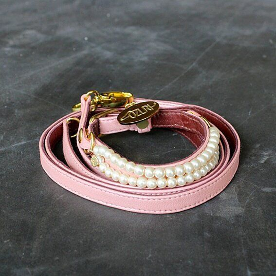 When glamour meets classic: Chloe Collar  Pearl Bittel.  The Collar is double layered with genuine leather to ensure the best quality for your furry babies. Available in size XS S M & L.  The Bittel is available in many designs as collectible accessories for your furry babies.  #dog #dogsofinstagram #instadog #dogcollar #leather #dog #dogsofinstagram #instadog #dogcollar #leathercollar #luxury #dogluxury #dogleash #cat #catsofinstagram #catcollar #leather #jualan #onlineshop #anjing…