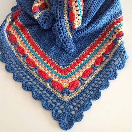 Sunday Shawl - crochet pattern from The Little Bee (photo credit @incielg) https://www.etsy.com/nz/listing/196313873/crochet-shawl-pattern-instant-download